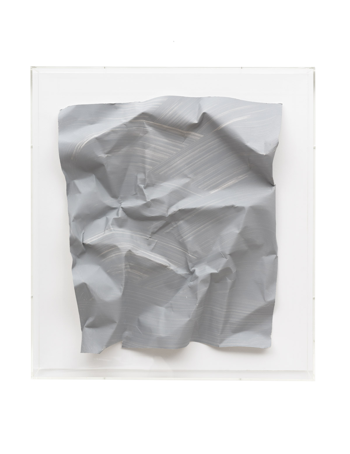 Özcan Kaplan Papierarbeit kriesgrau 2 April 2018 Dispersion paint ink paper 67 x 585 x 8 cm 1