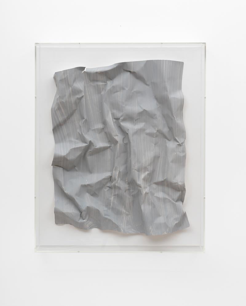 Özcan Kaplan Papierarbeit kriesgrau 3 April 2018 Dispersion paint ink paper 695 x 555 x 85 cm